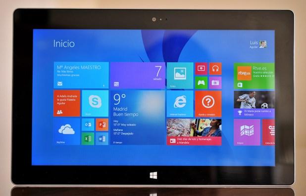 Microsoft Surace 2 - Frontal