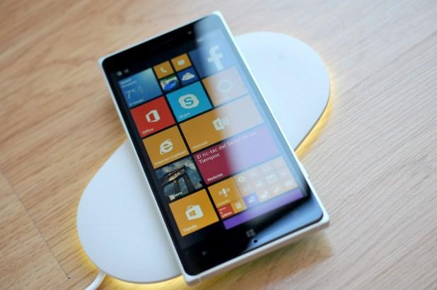 Nokia Lumia 830 - Cargador bateria