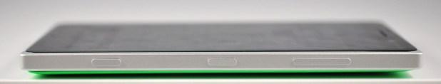 Nokia Lumia 830 - derecha