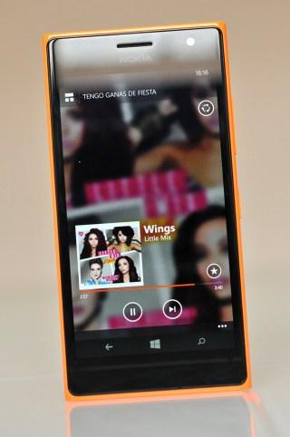 Nokia Lumia 735 - 12
