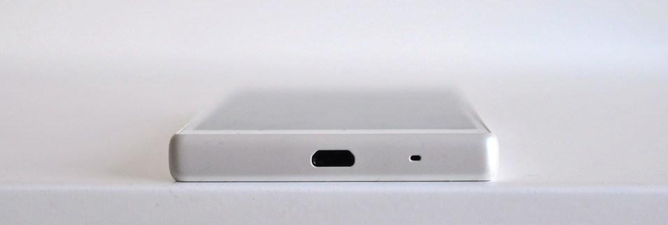 Sony Xperia Z5 Compact - abajo