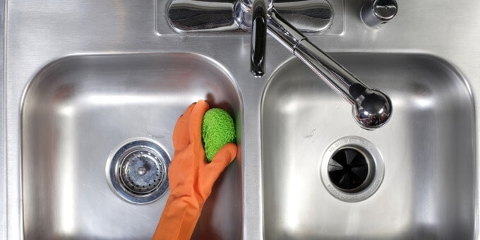 keeping commercial sinks hygienically clean