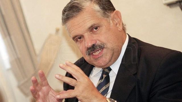 El dirigente opositor defendió el modelo económico que se aplicó en el país durante los años noventa.