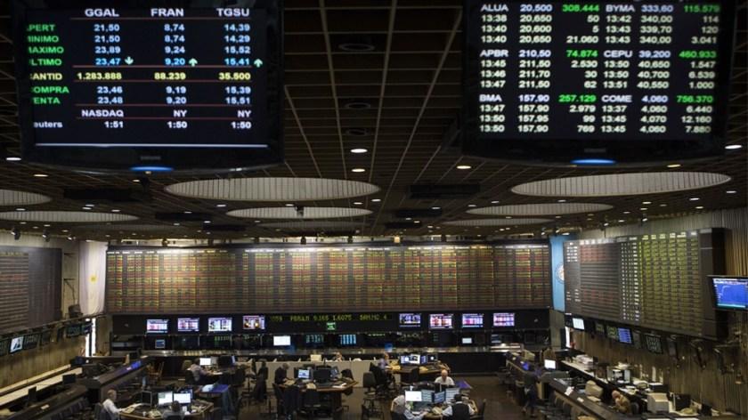Más allá del buen resultado en el balance mensual, hoy el índice S&P Merval retrocedió 1,54%.