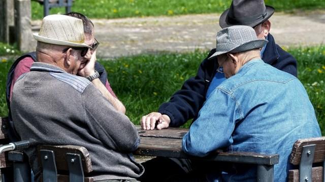 En los dos años que tuvo vigencia la ley suspendida, el haber mínimo de los jubilados cayó un 19,5% en términos reales..