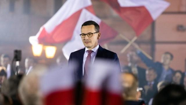 El primer ministro polaco, Mateusz Morawiecki, convocó a los diputados para informar sobre los ciberataques.