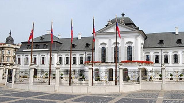 Eslovaquia expulsó a diplomáticos rusos