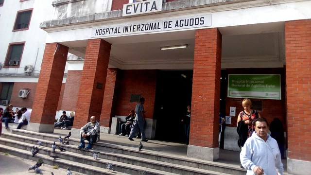 Hace un año, el hospital Evita de Lanús contaba con 4 camas de terapia intensiva. Hoy dispone de 14.