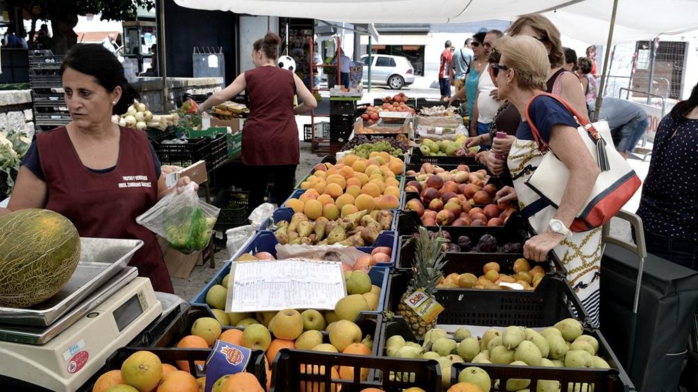 Las encuestas nacionales muestran un bajo consumo de frutas y verduras en la población.