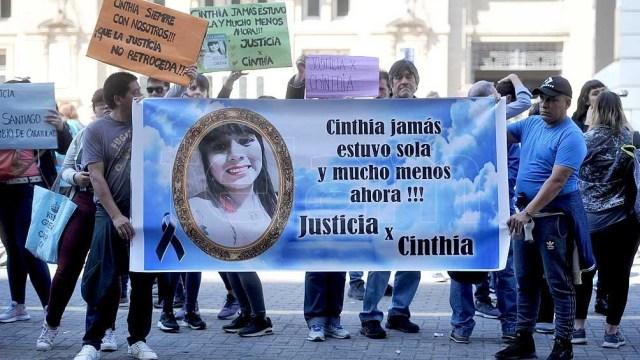Otro de los homenajes que se realizó para Cinthia Choque, poco después del accidente.