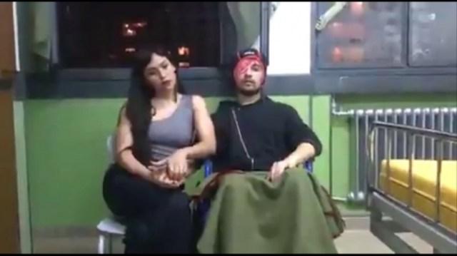 El agente de tránsito junto a su novia Rocío que lo apoya en su recuperación.