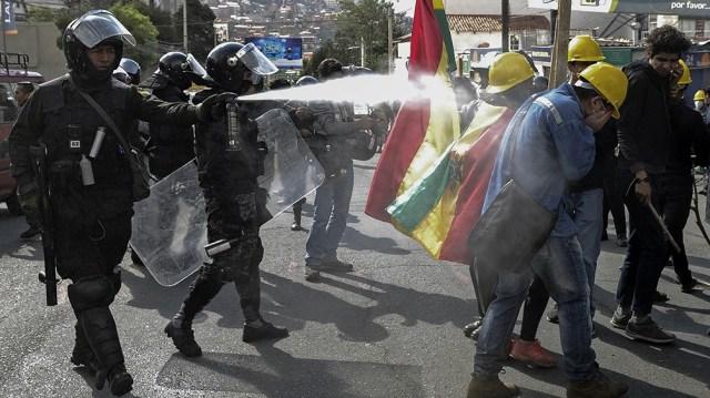 La Comisión de Ciudadanía y Derechos Humanos del Parlasur, analizó las denuncias sobre envío de material represivo desde Argentina a Bolivia durante el golpe de Estado de 2019.