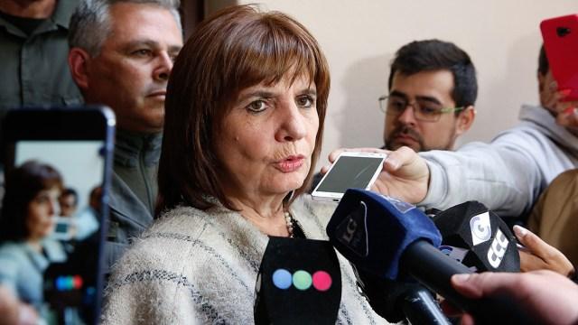 Patricia Bullrich aseguró que el material era para proteger la embajada argentina.