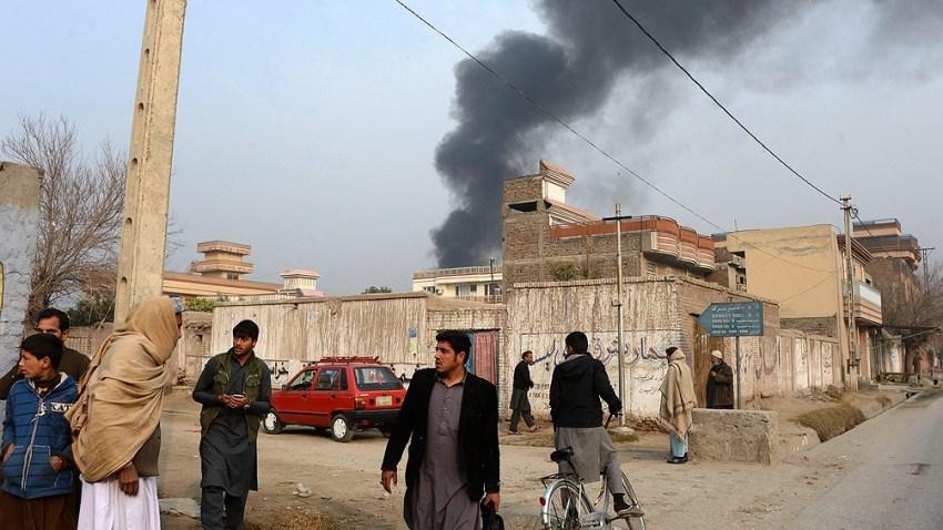 """""""Creí que era la única manera de mantener en silencio las armas y salvar a los seis millones de ciudadanos de Kabul"""", alegó Ghani."""