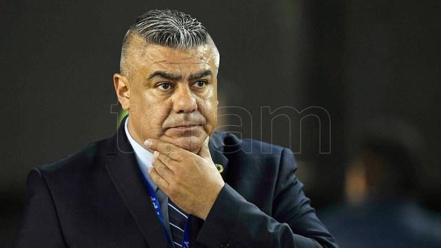 Tapia, en el ojo de la tormenta como máximo dirigente de AFA por un sector del fútbol argentino