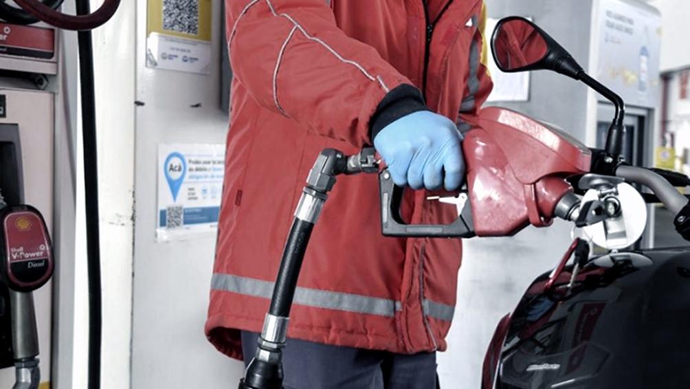 Se detuvo por dos semanas otro incremento de combustibles