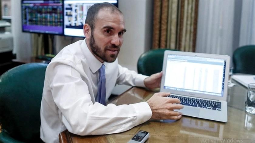 El ministro Guzmán dijo que el presupuesto 2021 da un marco de certidumbre