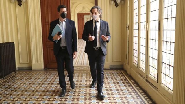 Wado de Pedro y Santiago Cafiero al término del encuentro hoy en Casa Rosada.