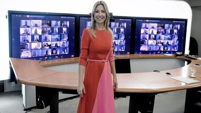 La primera dama encabezó ayer la primera reunión virtual