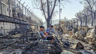 Las autoridades griegas sostienen que el incendio en Moria fue iniciado de manera deliberada por los propios residentes.