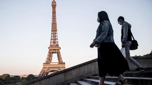 Francia reimpondrá un toque de queda sobre unos 20 millones de habitantes
