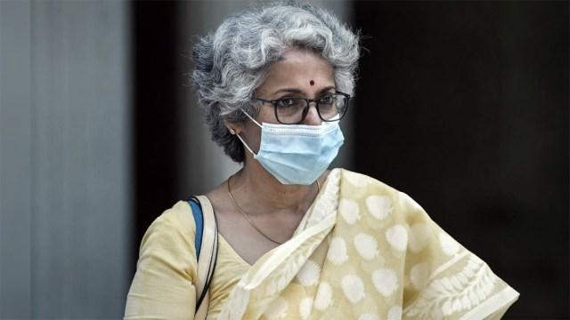 """La jefa de científicos de la OMS, Soumya Swaminathan, explicó que la distribución de vacunas """"toma tiempo"""""""