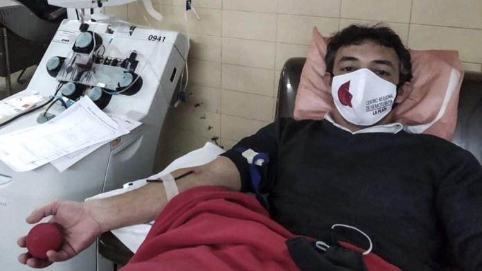 Si sos una persona recuperada de Covid-19 podés donar plasma, deben haber pasado 14 días de tu recuperación.