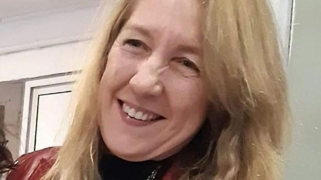La docente fue asesinada en el estacionamiento de un supermercado.