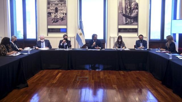 Reunión interministerial para reactivación del turismo