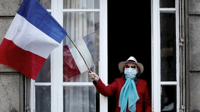 El Gobierno de Francia reveló hoy que había 4.974 los pacientes ingresados en unidades de cuidados intensivos por coronavirus