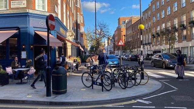 Pubs, cafés y restaurantes de Inglaterra reabrieron este lunes