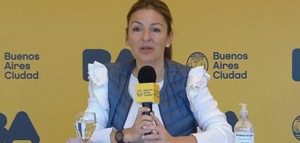"""La ministra Acuña consideró """"de urgencia"""" la definición de la Corte sobre el reclamo de presencialidad en las escuelas."""