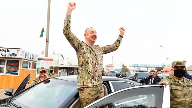 El presidente de Azerbaiyán, Ilham Aliyev, tras la firma del alto el fuego que puso fin a los enfrentamientos