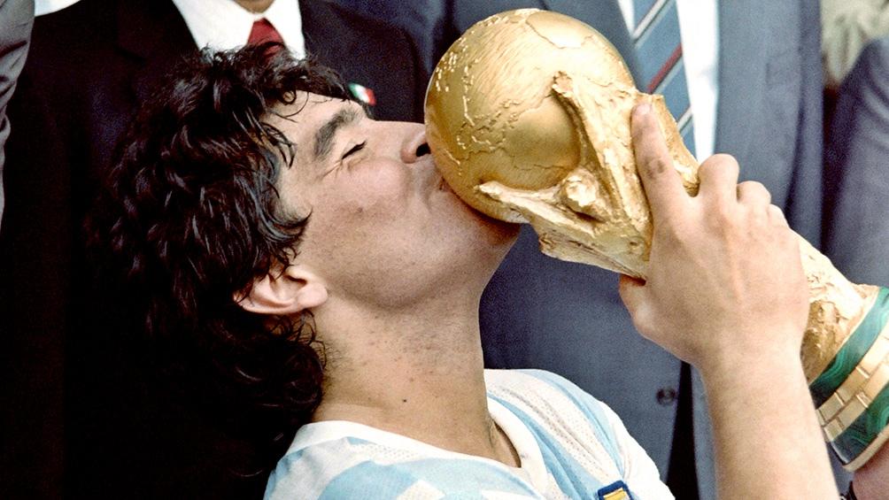 El 29 de junio, tras vencer 3 a 2 a Alemania, Argentina llegó al segundo título de su historia. Con Diego como figura excluyente.
