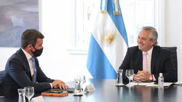 """Alberto Fernández afirmó que el gobierno nacional está """"empeñado en que las automotrices vuelvan a ser la nave insignia de la industria nacional""""."""