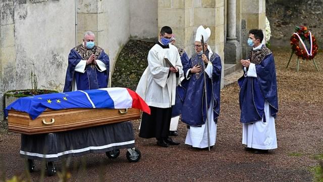 En Francia, la cifra de hospitalizaciones también va en aumento, con casi 13.500 ingresos en la última semana. De ellos, 3.074 son a cuidados intensivos.
