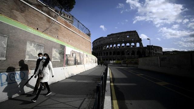 Italia reporto el registro diario más bajo en más de siete meses