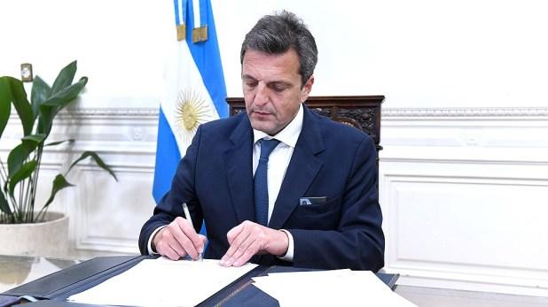 El titular de la Cámara de Diputados, Sergio Massa, envió una nota a la presidenta del Senado Cristina Fernández de Kirchner para notificarle formalmente por escrito sobre la aprobación del proyecto.