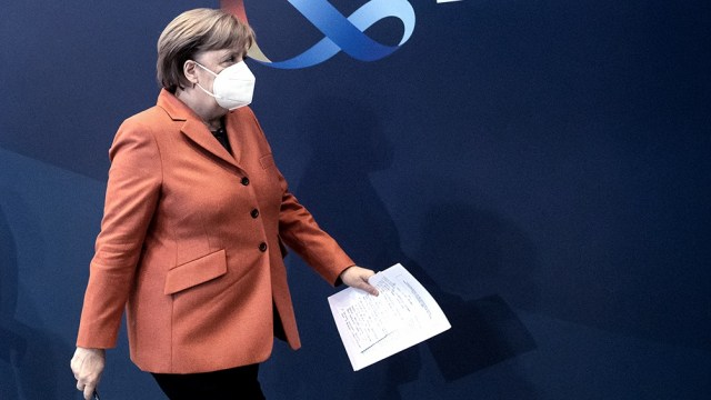 """""""Fue una discusión detallada y no muy fácil"""", argumentó Merkel en la cumbre"""
