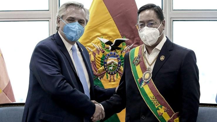 El Presidente se mostró avergonzado por el hecho y su par boliviano le agradeció el gesto.