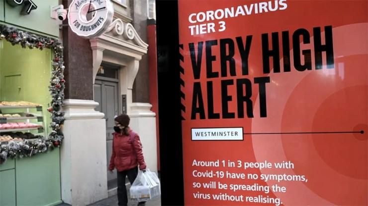Inglaterra ordena su tercera cuarentena, en medio de su campaña de vacunación