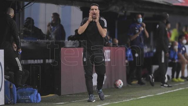 Lionel Scaloni, en medio de cambios y confirmaciones, intentará consolidar una idea y un equipo en Brasil