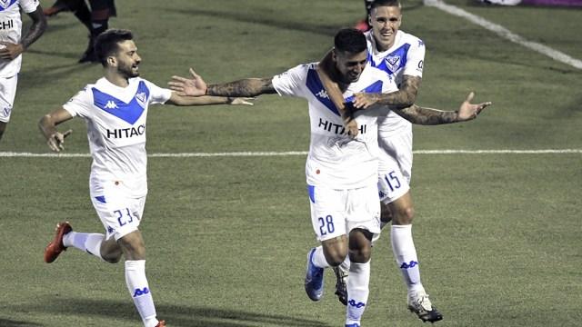 Vélez, con algunas bajas, juega ante Newell´s (foto archivo)