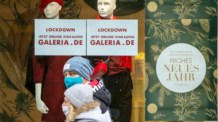 Alemania prolongó hasta el 31 de enero y reforzó sus restricciones con el cierres de escuelas y comercios no esenciales