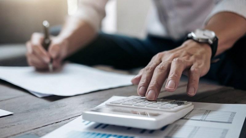 Las cuotas a abonar serán mensuales, iguales y consecutivas, excepto la primera de ellas, a la que se le sumarán los intereses financieros desde el día de la consolidación del plan hasta su vencimiento.