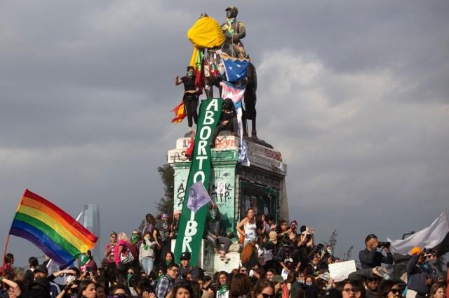 Luego de la aprobación de la ley de Interrupción Voluntaria del Embarazo en Argentina, el movimiento proaborto legal tomó fuerza