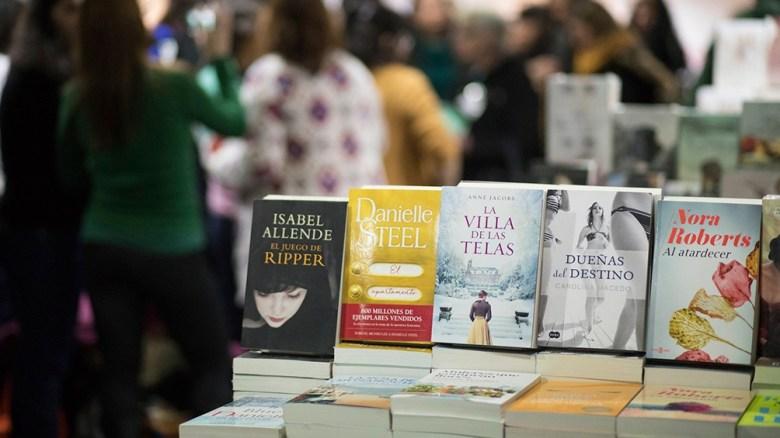 Con sus distintas variantes, la literatura romántica es uno de los géneros que más vende en la Argentina.