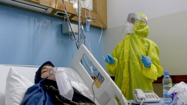 Irán lucha contra el peor brote de coronavirus en Medio Oriente.