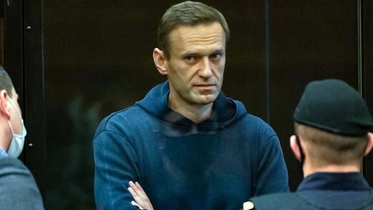 Navalny, en huelga de hambre desde hace tres semanas, fue trasladado al hospital de la prisión en la que se encuentra encarcelado