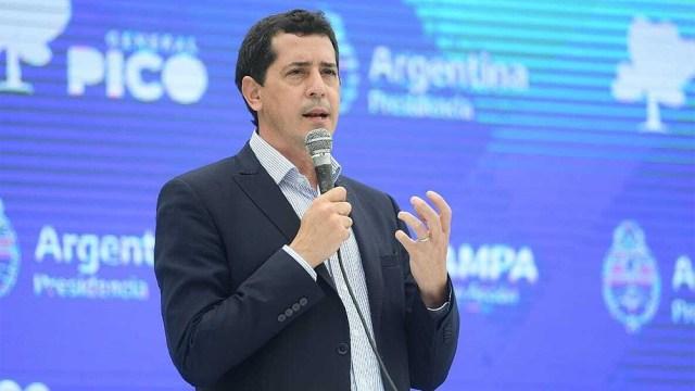 """De Pedro le recomendó a la oposición """"ser más responsables y cuidar las reglas de la democracia""""."""